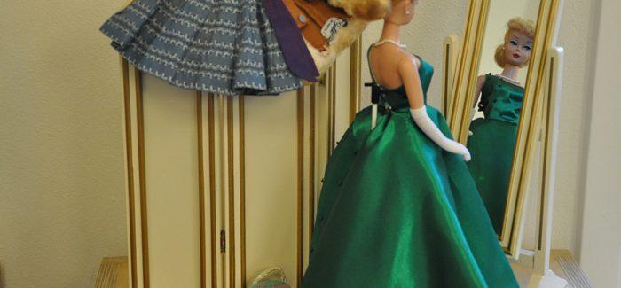 Barbie ziet Sara in Kinderwereld!